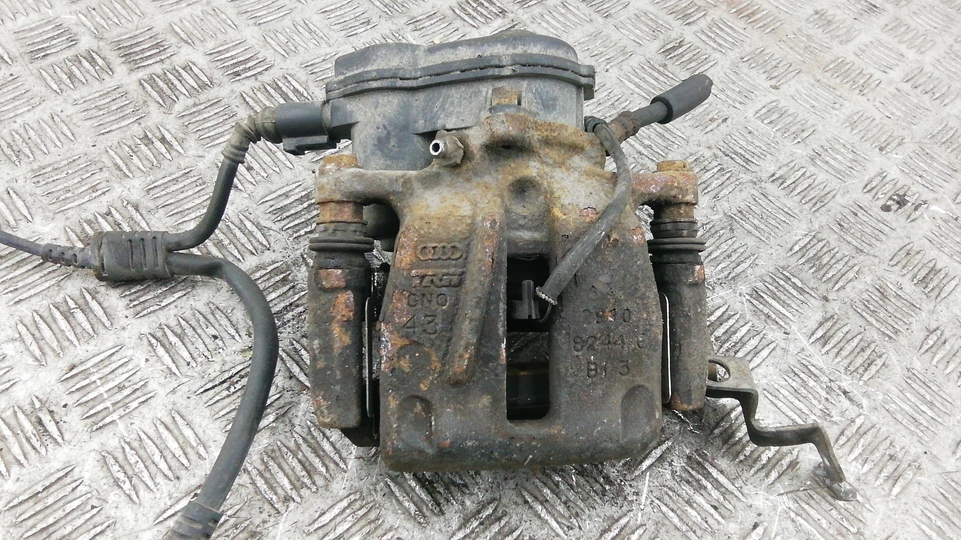 Суппорт тормозной задний правый, AUDI, A8 D4, 2011