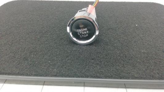 Кнопка запуска двигателя Toyota  8961102010
