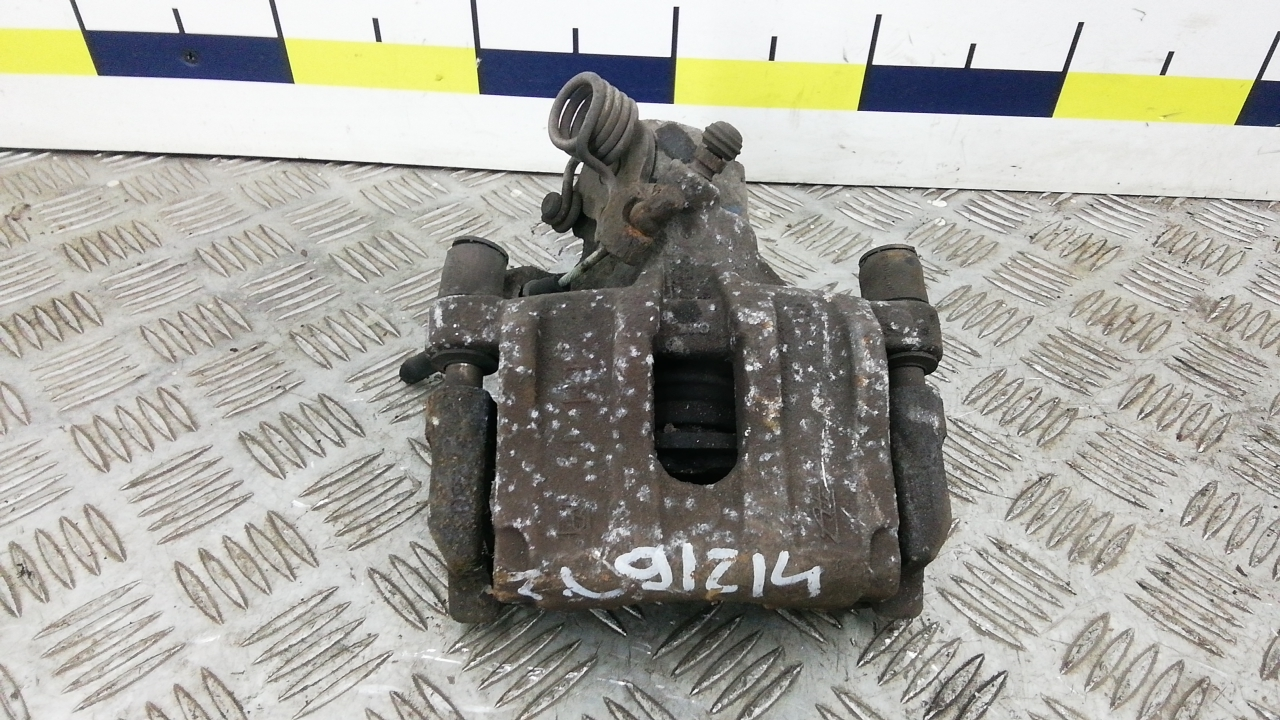 Суппорт тормозной задний левый, MAZDA, 3 1, 2004
