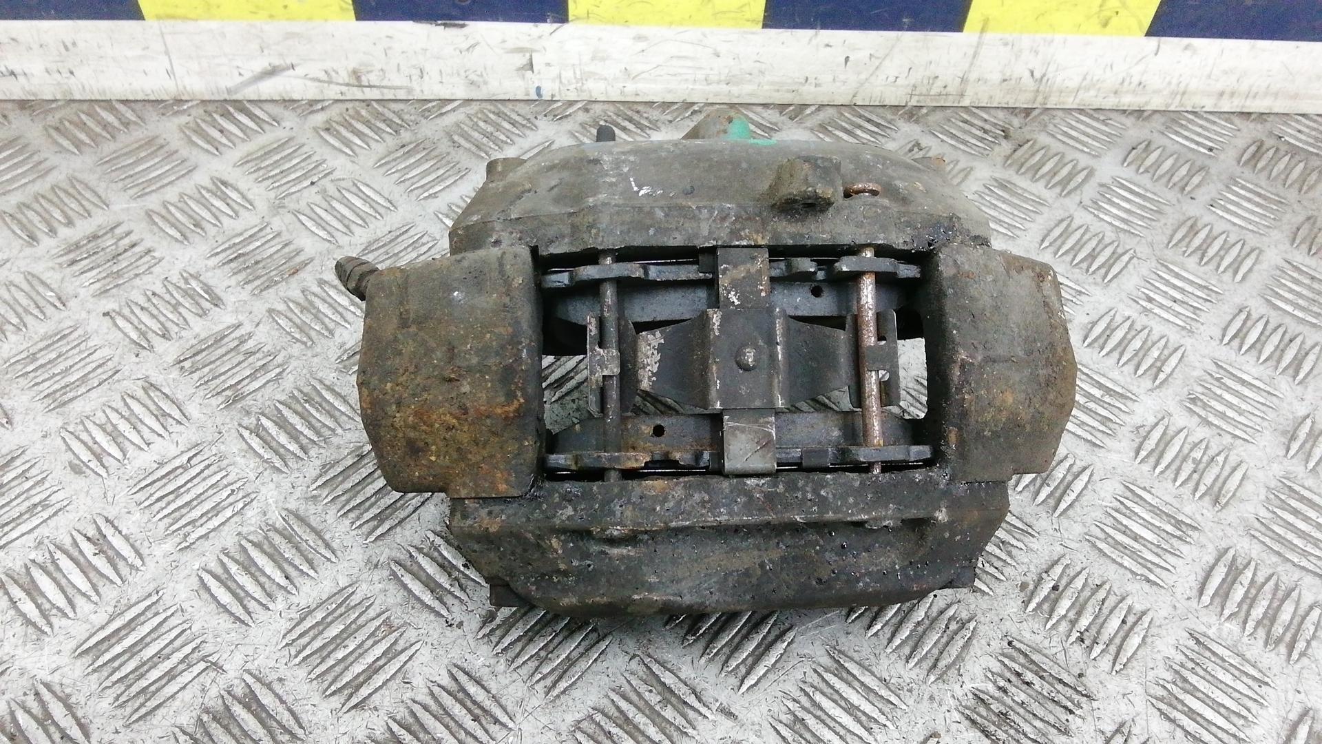 Суппорт тормозной передний левый, MERCEDES BENZ, CLS C219, 2005